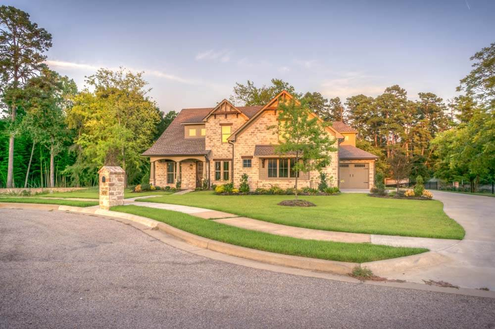 Four Mistakes to Avoid When Getting Your Driveway Paved